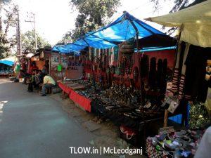 shops selling Buddhist artifacts