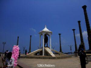 the-famous-gandhi-statue-in-pondicherry