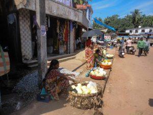 fruits-being-sold-in-murudeshwar