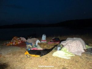campers-sleeping-in-the-night