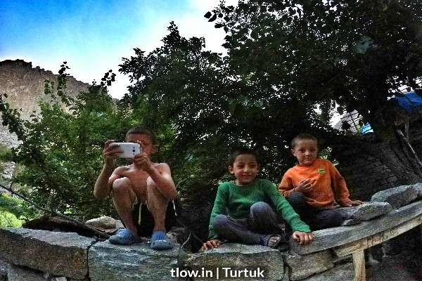 Children-having-fun-in-Turtuk