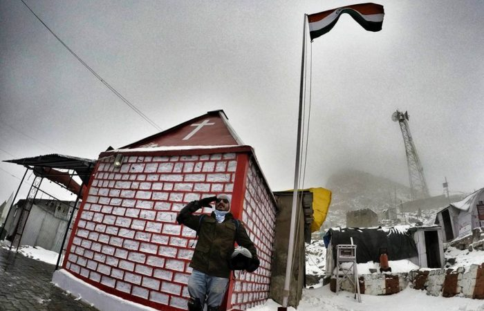 Indian national flag Khardungla