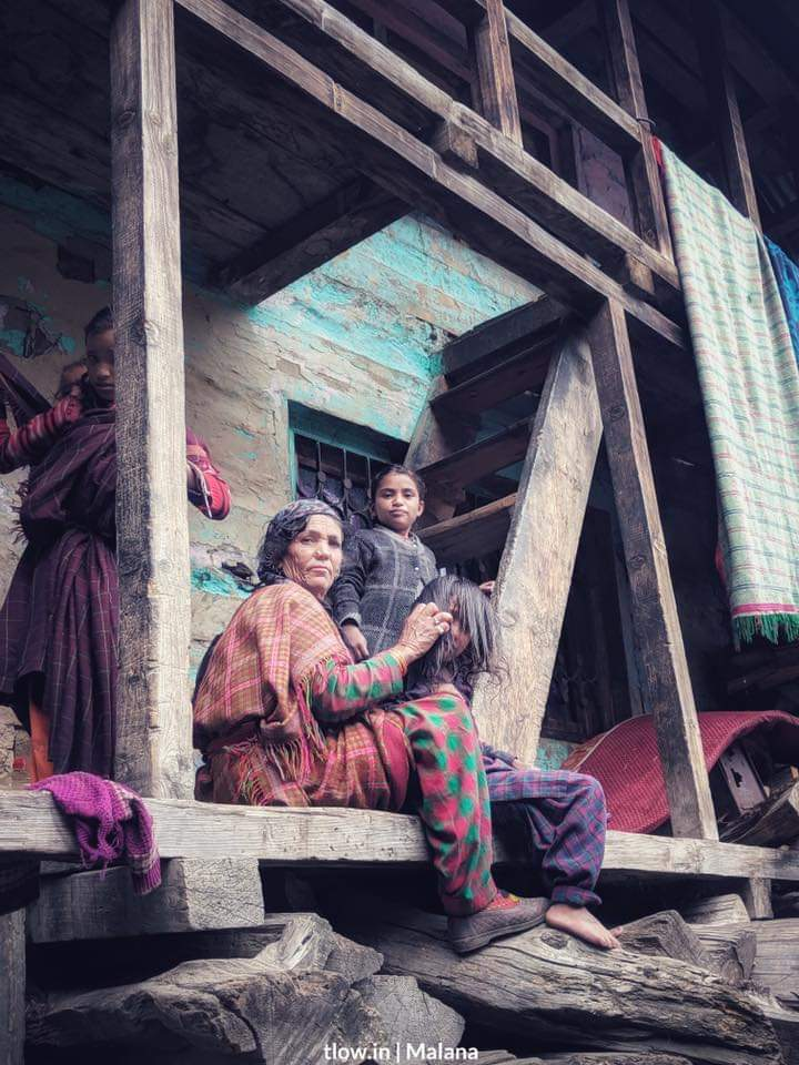 Mother & daughter in Malana