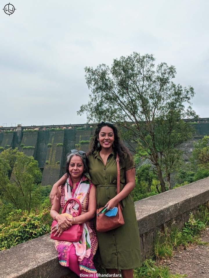 Mother daughter at Bhandardara