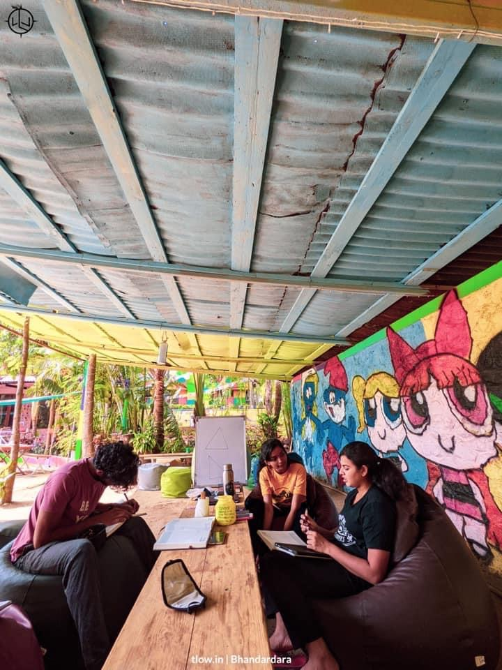 Yolo cafe 2.0 Cabana