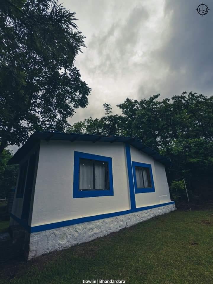 Group villas in santorini Bhandardara